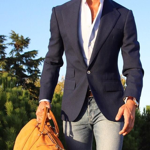 dark-blue-blazer-with-jeans