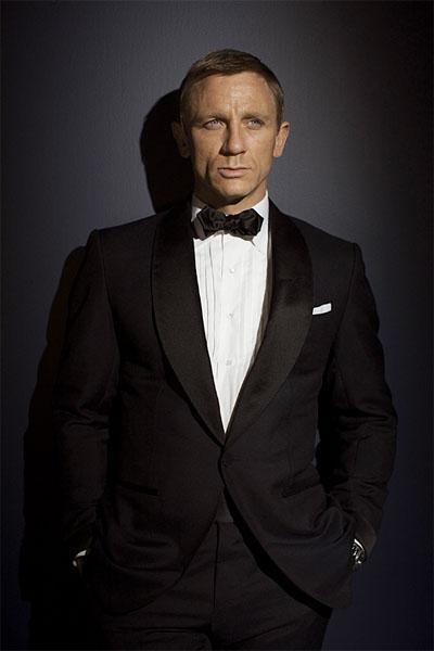 james-bond-black-tuxedo